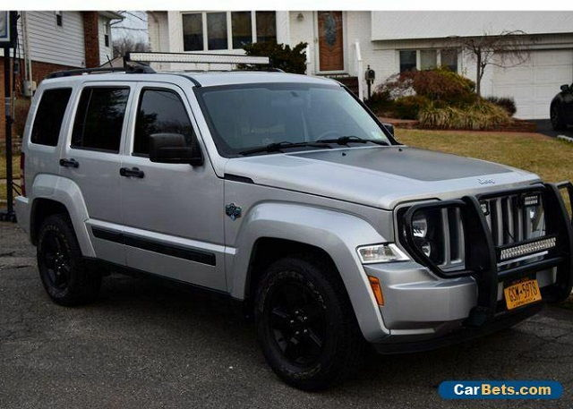 Images and Photos 2012 Jeep Liberty Limited Edition