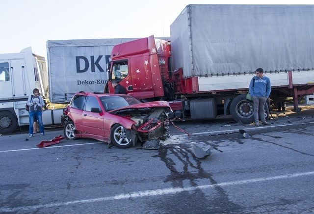 Images and Photos Semi Truck Accidents Today