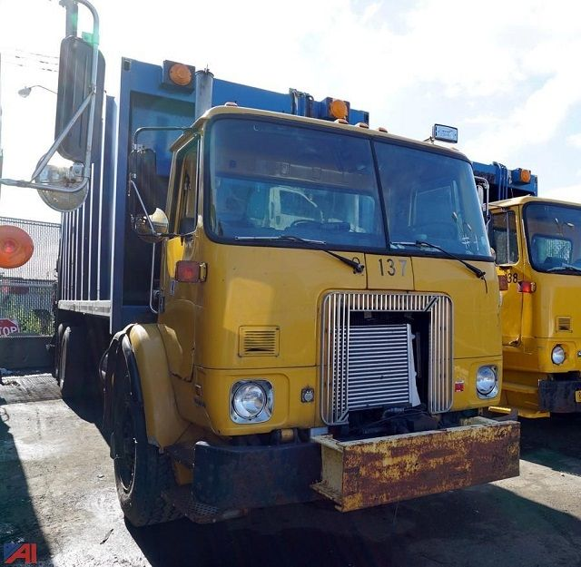 Images and Photos Refuse Truck Auctions