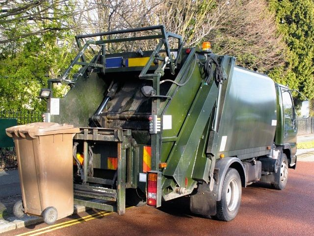 Images and Photos Garbage Truck Accidents