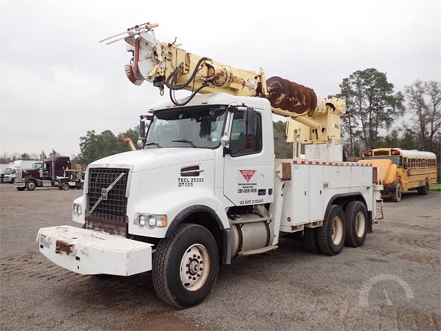 Images and Photos Digger Derrick Truck Auctions