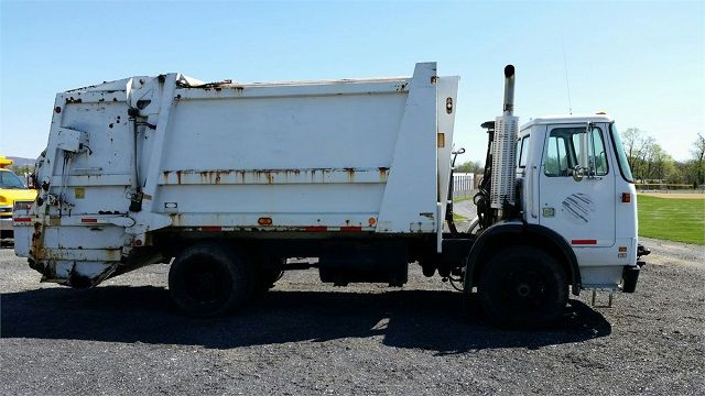 Images and Photos Trash Truck Auctions
