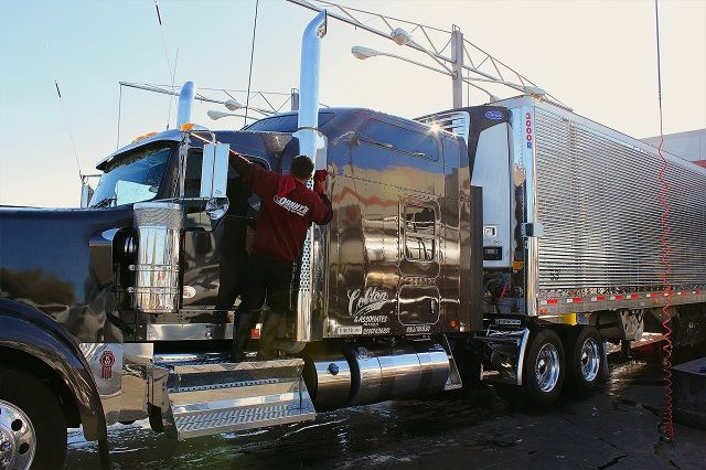 Truck Chrome Polish