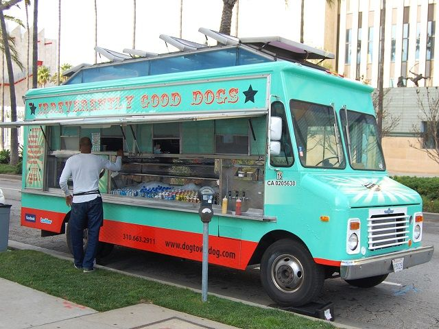 Show Me Pictures of Food Trucks